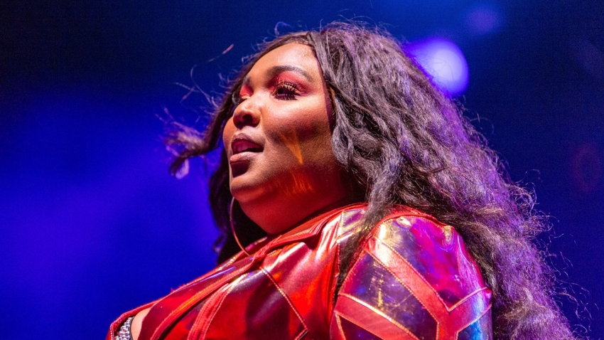 190725_3994315_How_Lizzo_Became_A_Twerking__Flute_Playing_S_1200x675_1576782403534