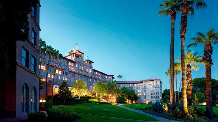 2014 Hotel Facade from West Side Horseshoe Garden