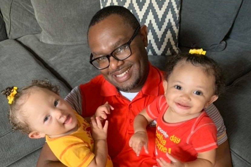 Jason Gordon and his daughters