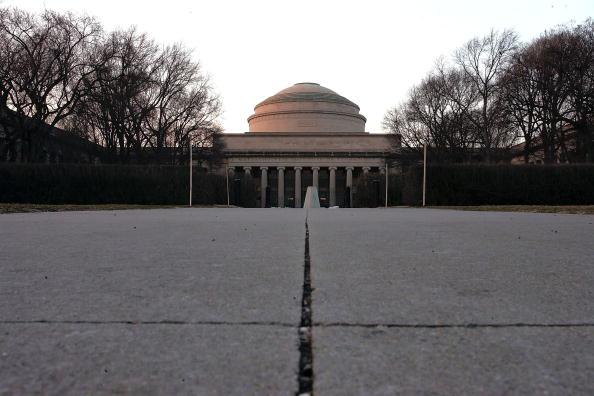 56904879JR001_MIT_Campus