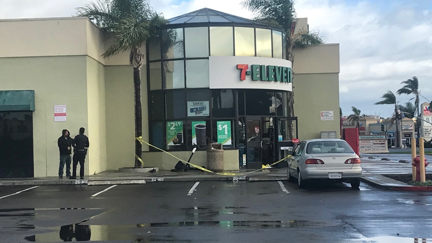 711 midway district stabbing 112819
