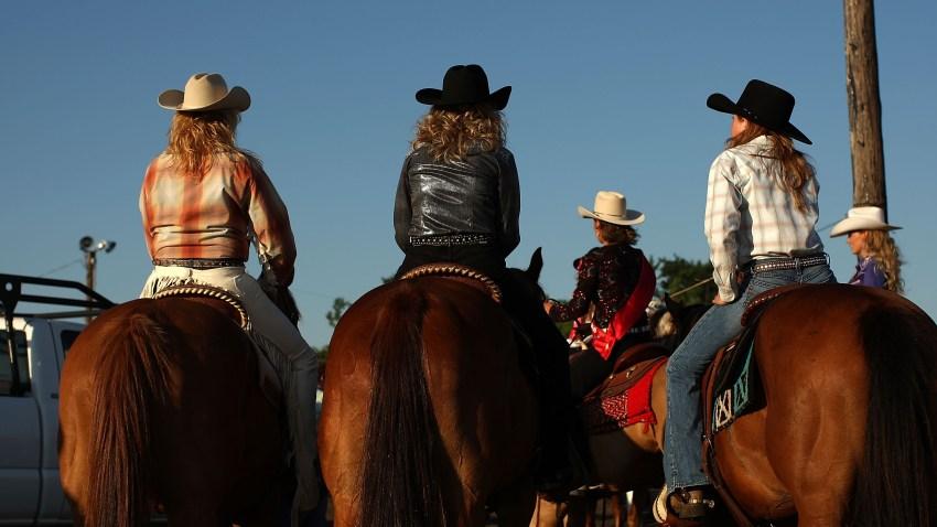 110709 Cowgirls