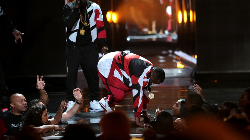 Diddy Falls at BET Awards