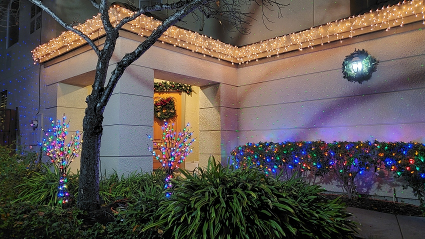 Christmas Lights 2020 San Diego People Are Putting Up Christmas Lights to Spread Cheer Amid the