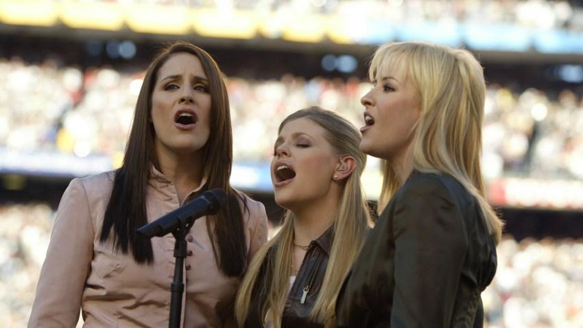 Super Bowl XXXVII: The Dixie Chicks