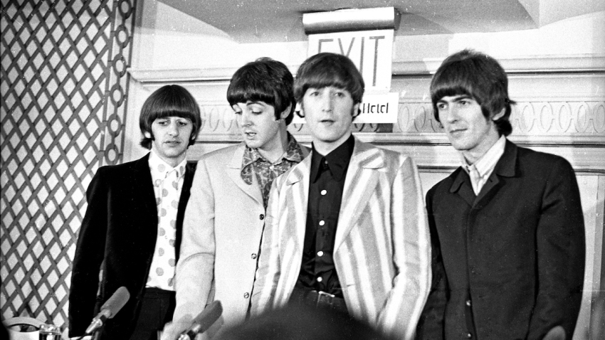 Beatles_234_c_MOA_(Press_conference_1965).jpg