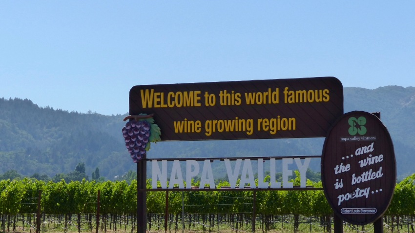"A sign that reads Welcome to this world famous wine growing region, NAPA VALLEY"" is standing at the entrance of the wine region ""Napa Valley"" in Napa, United States, 19 July 2017."