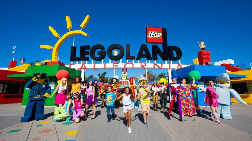 An image of the entrance to Legoland Calfornia Resort.