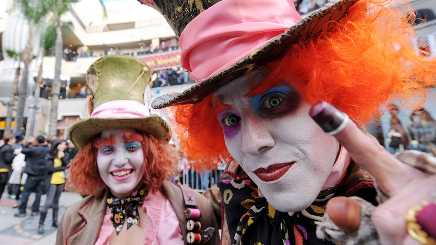 Mad-Hatter-Fans-GettyImages-96888096