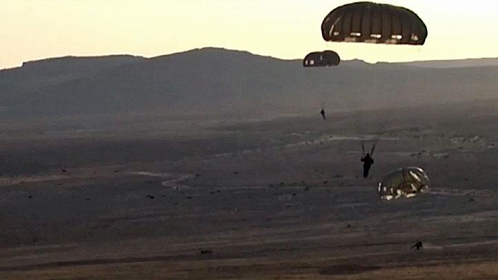Military-generic-parachute