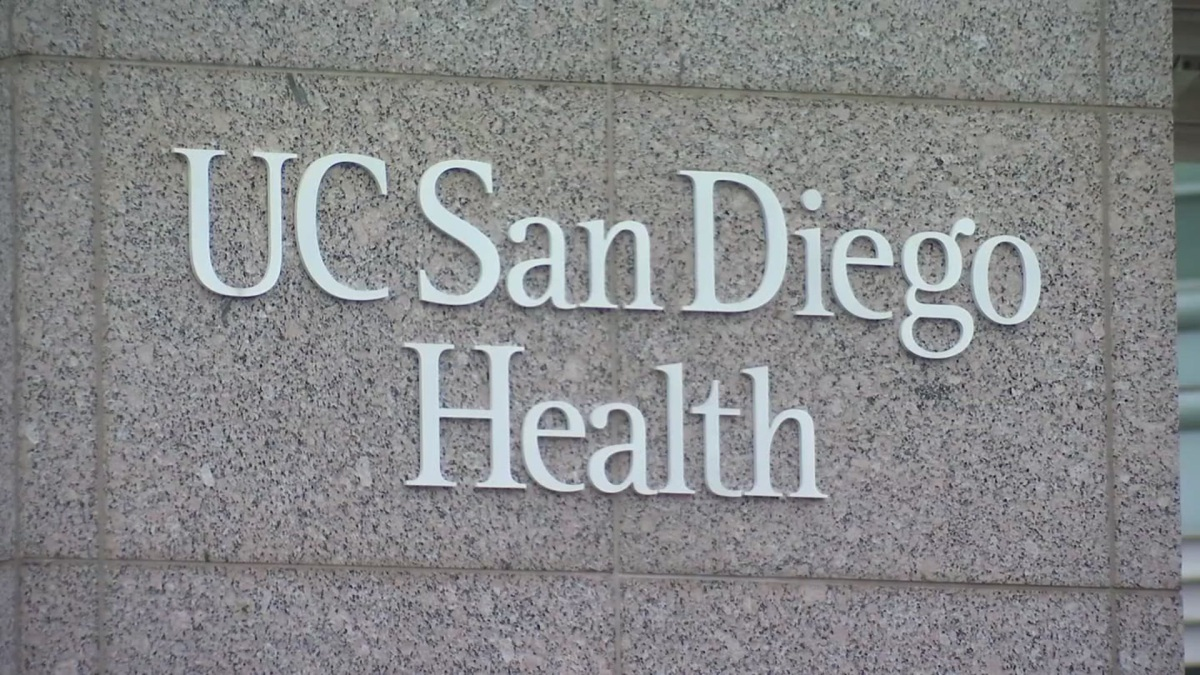 UCSD Health Starts Vaccinating Patients 65 and Older