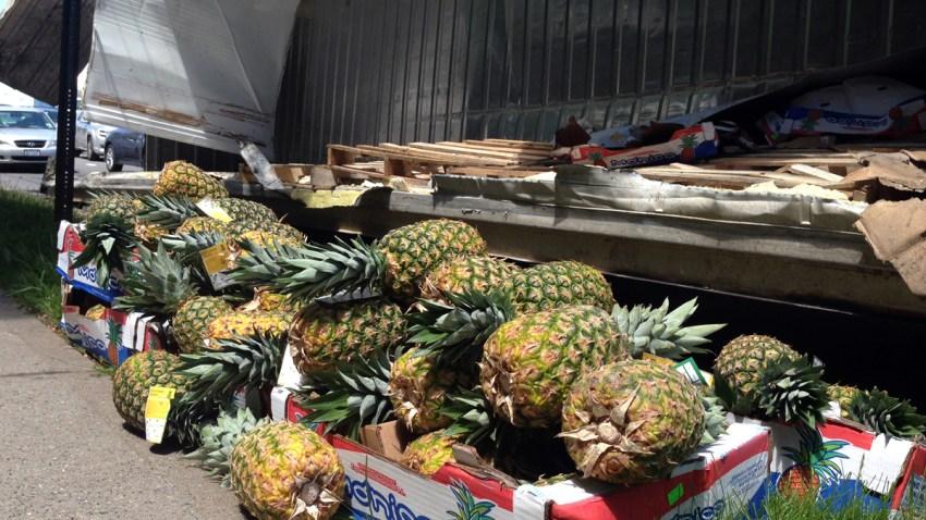 Pineapple-Spill-Staten-Island-Expressway