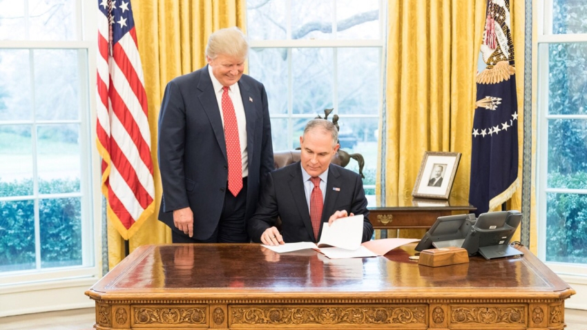 Pruitt-Oval-Office