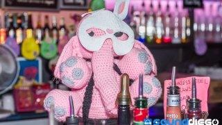 SD LIVE Bar Pink Context 14