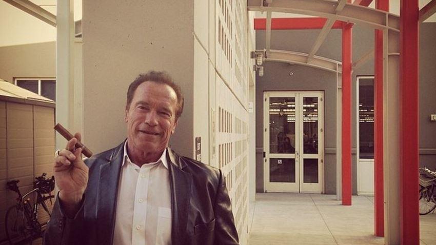 SchwarzeneggerSmoking
