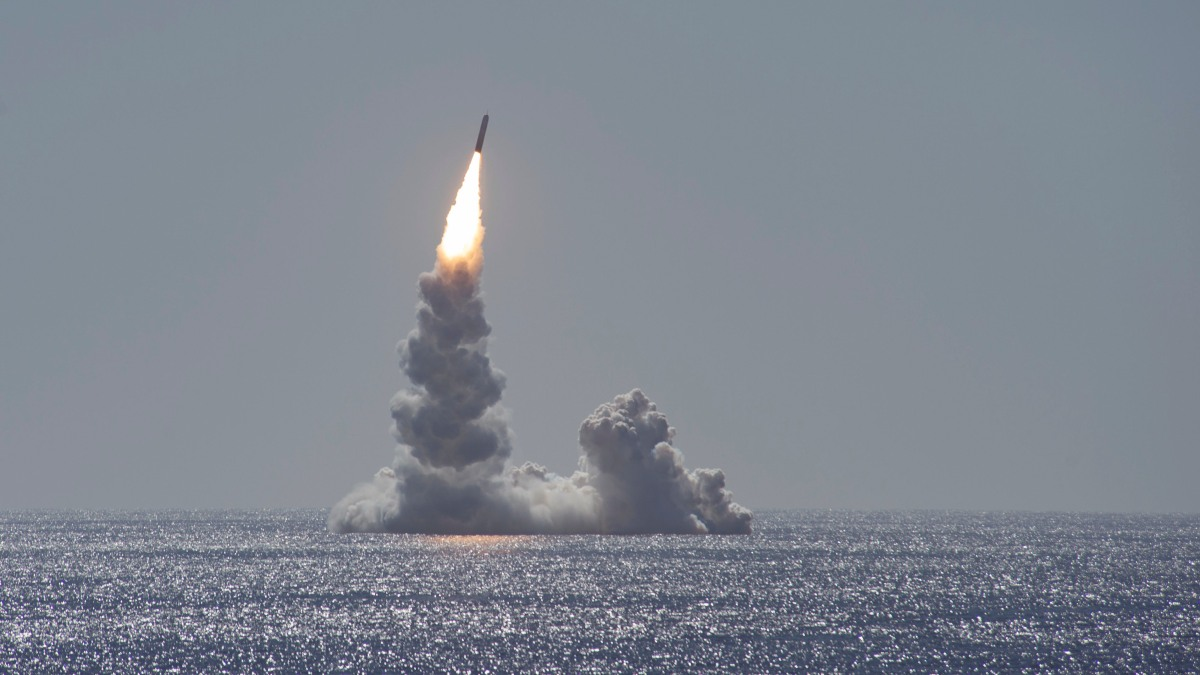 US Navy Launches Unarmed Test Missile 'Trident II' in Demo Off San Diego Coast