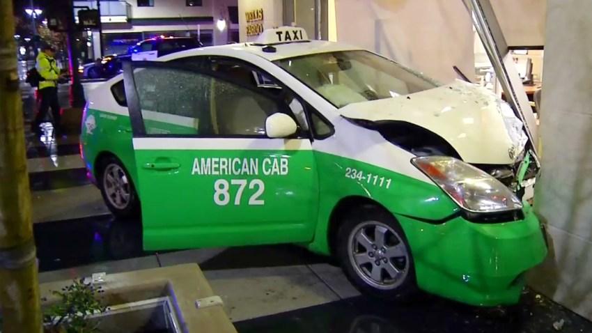 Taxi-Bank-Crash-0104