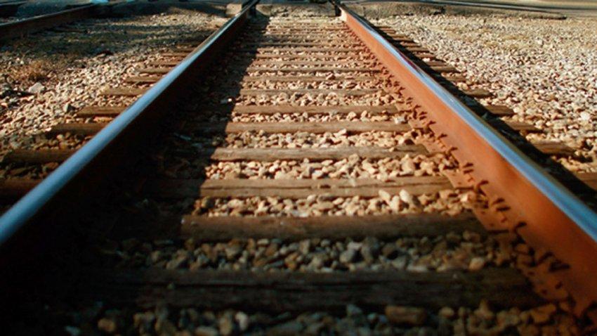 Train-Tracks-Generic1