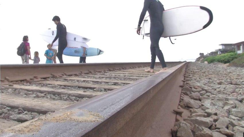 Train-Tracks-Rail-Del-Mar-generic