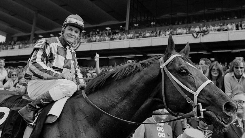 Triple Crown Horse Racing