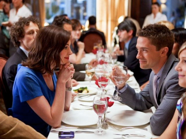 Valentine's Day Anne Hathaway Topher Grace