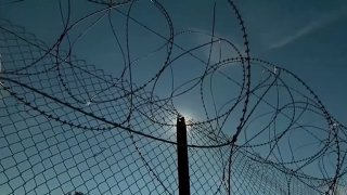 barbed-wire-fence-border-generic