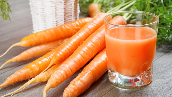 carrotsjuiceshutterstock