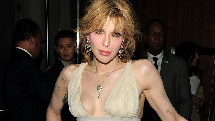 courtney-love-auction-722x406