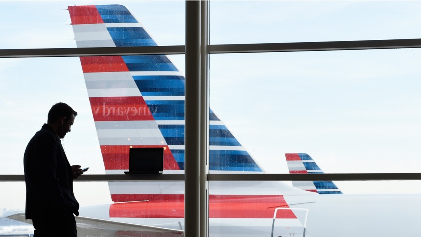 APTOPIX Snowstorm Flight Delays