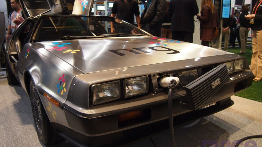 electric-delorean-CES2012-3