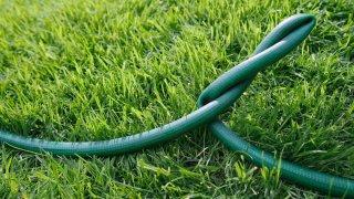 generic-getty-water-hose-031914