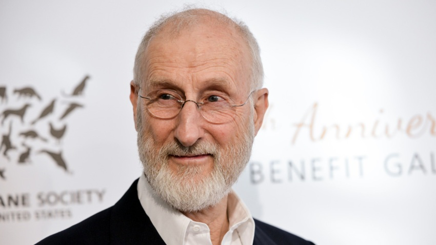 People-James Cromwell