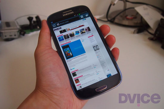 samsung-galaxy-s-III-hands-on-0-thumb-550xauto-94293