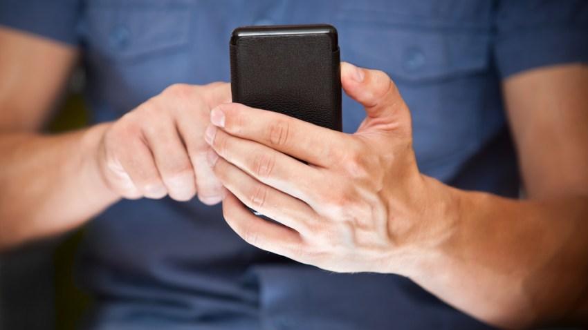 texting-shutterstock_109897385