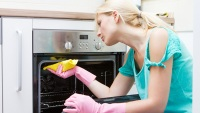 How to Use Your Oven's Self-Cleaning Feature