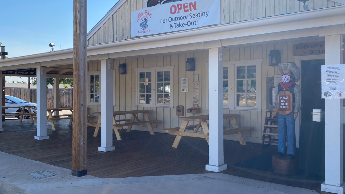 Poway Businesses Adapt to Operating Outside Under Heat