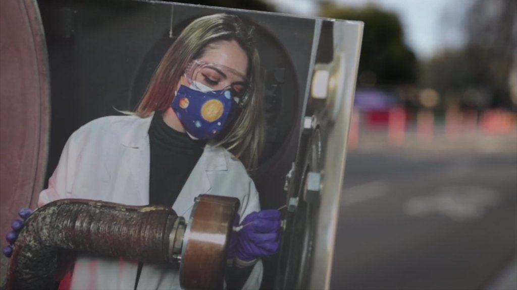 An image of NASA engineer Cynthia Sarmiento at work.