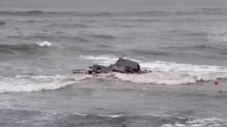 Boat capsizes near Point Loma