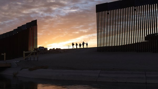 US Gives More Asylum-Seekers Waiting in Mexico Another Shot 1