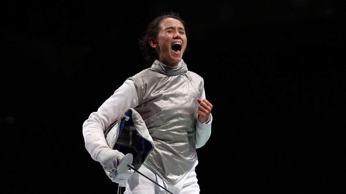 Lee Kiefer Becomes First American Fencer to Advance to a Semifinal Bout in Tokyo