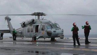 MH-60-USS-Abraham-Lincoln