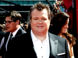 Eric Stonestreet Takes Over the Interview Spot on the Red Carpet