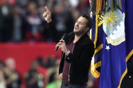 Super Bowl LI: Luke Bryan