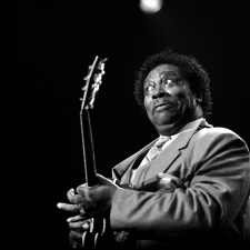 """King of the Blues"" Legend B.B. King Dead at Age 89"