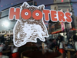 Hooters Won't Serve San Diego Mayor Bob Filner