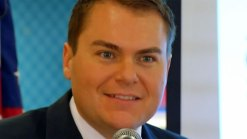 Carl DeMaio Speaks Spanish to Audience