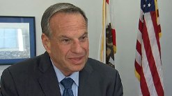 "Mayor Filner: ""I'm a Hugger"""
