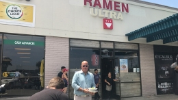 Eater SD: 'Bizarre Foods' Star Andrew Zimmern Dines Local