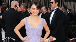 Does Mila Kunis Have Any 'Friends With Benefits'?