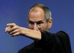 Steve Jobs Back on Google Bash